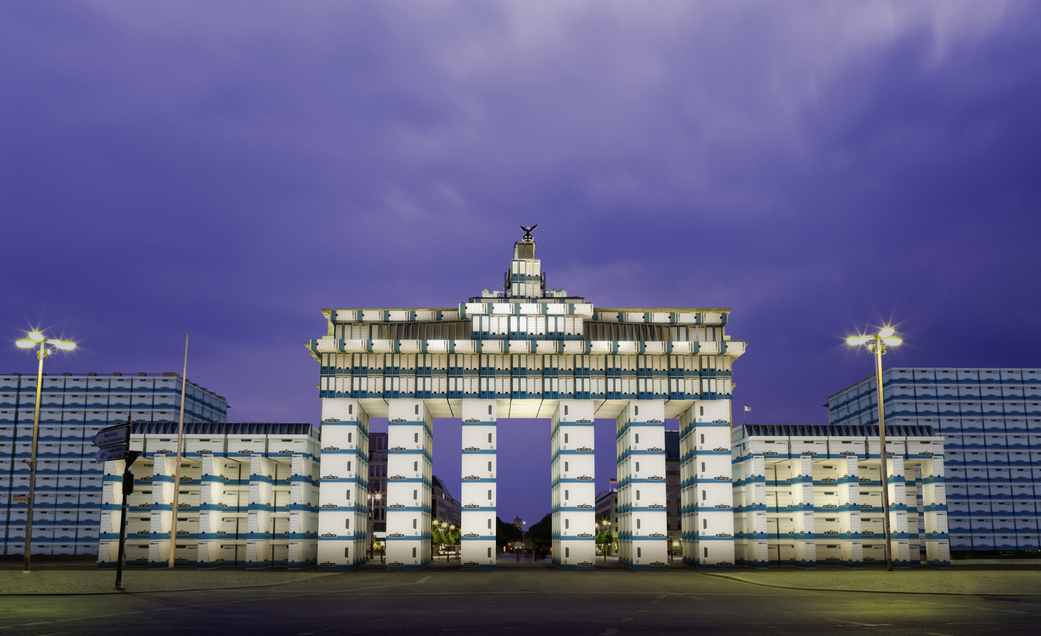 Germany, Berlin, Brandenburg Gate, dusk
